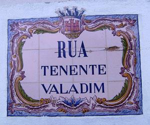 Azulejo fliser på vejskilt